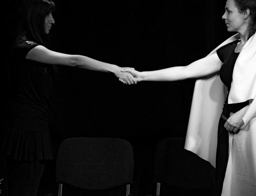 Hála – Improvizációs színház az M1M Társulattal